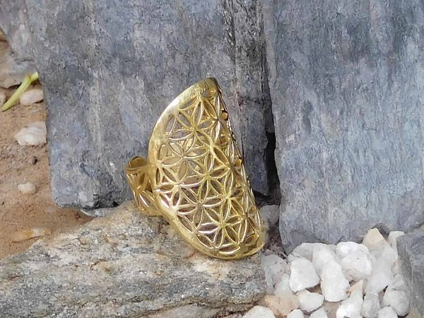 Flower of Life Ring by Avashy