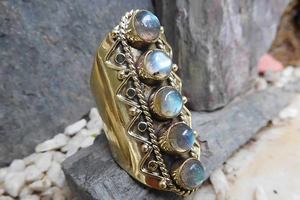Labradorite Ring Avashy