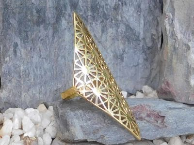 Lattice Finger Sleeve Ring by Avashy